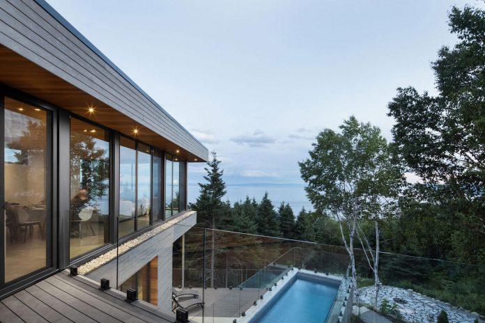 mountain-residence-cap-laigle-v-shape-long-facades-suspended-nature-03