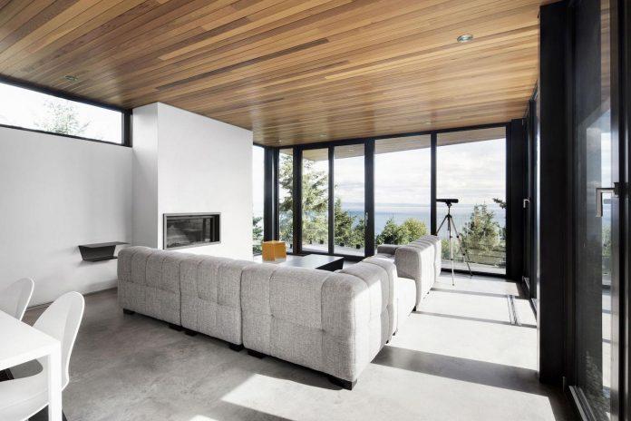 mountain-residence-cap-laigle-v-shape-long-facades-suspended-nature-05