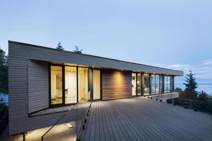 mountain-residence-cap-laigle-v-shape-long-facades-suspended-nature-10