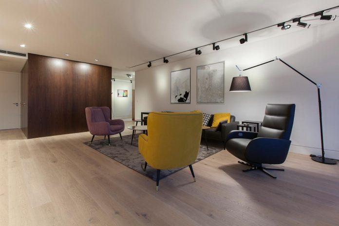 natural-materials-elegant-pieces-furniture-new-apartment-located-old-town-bratislava-02