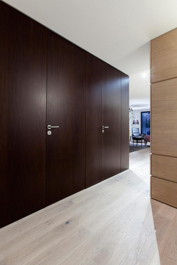 natural-materials-elegant-pieces-furniture-new-apartment-located-old-town-bratislava-06