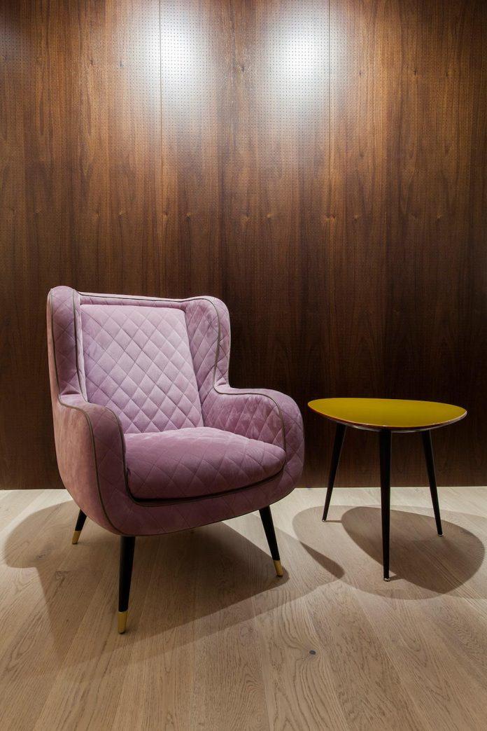 natural-materials-elegant-pieces-furniture-new-apartment-located-old-town-bratislava-07