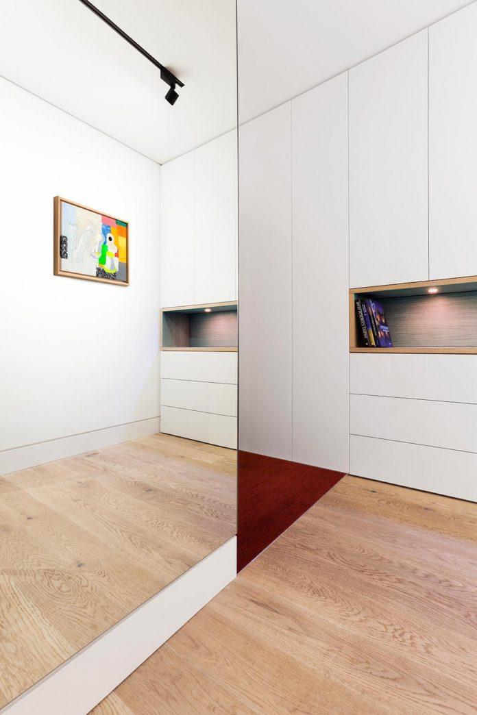 natural-materials-elegant-pieces-furniture-new-apartment-located-old-town-bratislava-08