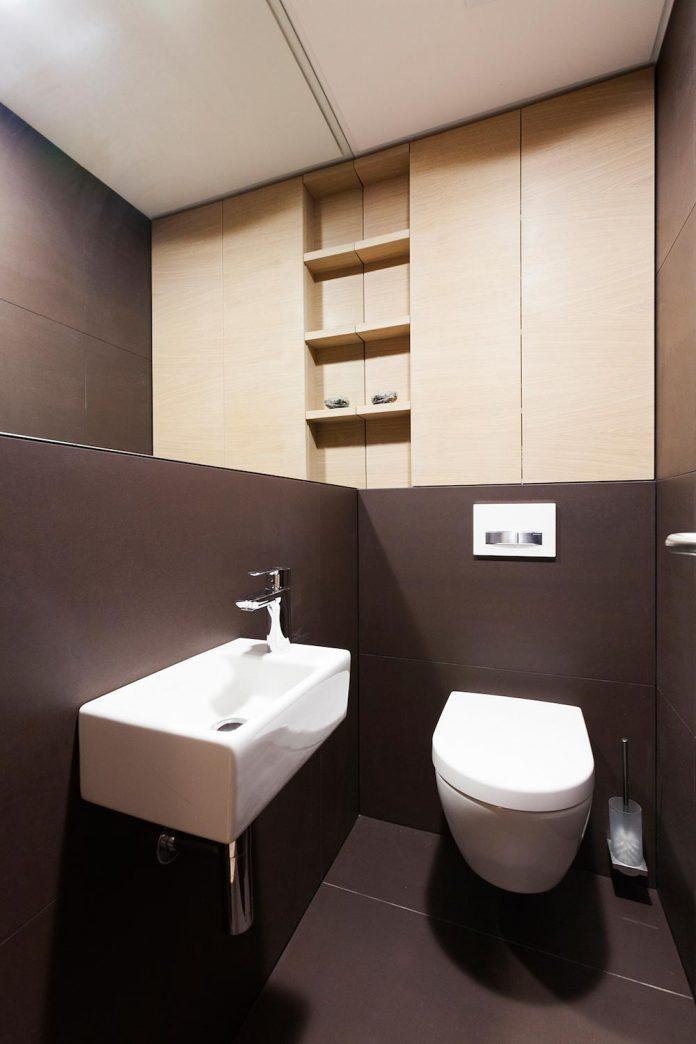 natural-materials-elegant-pieces-furniture-new-apartment-located-old-town-bratislava-11
