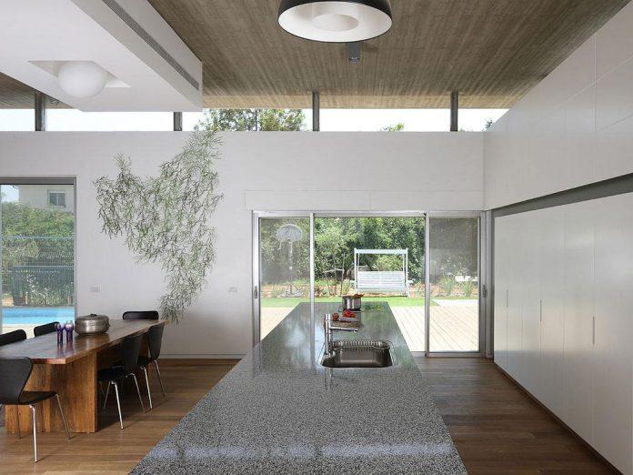 one-half-storey-high-interior-house-designed-family-3-children-07