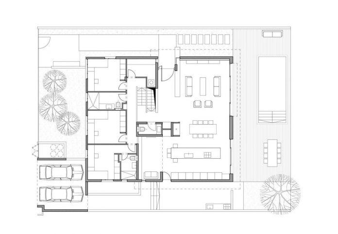 one-half-storey-high-interior-house-designed-family-3-children-13