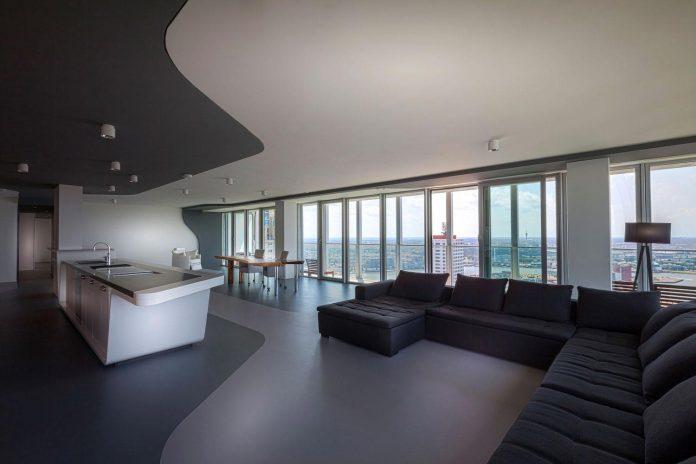 panoramic-view-rotterdam-cityscape-43rd-floor-huge-modern-apartment-02