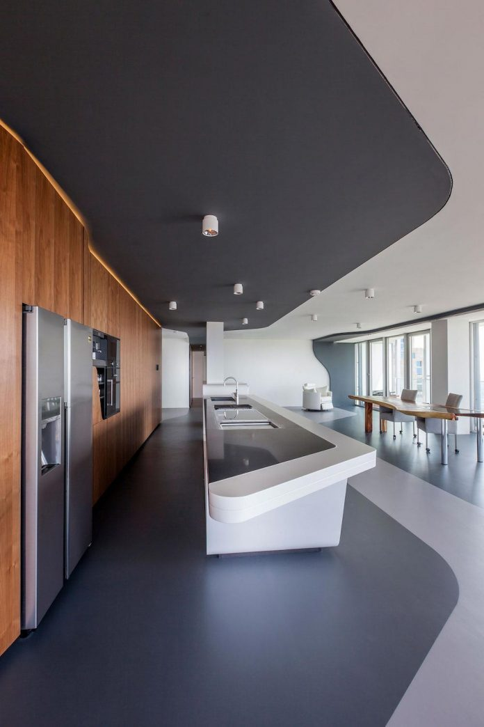 panoramic-view-rotterdam-cityscape-43rd-floor-huge-modern-apartment-04