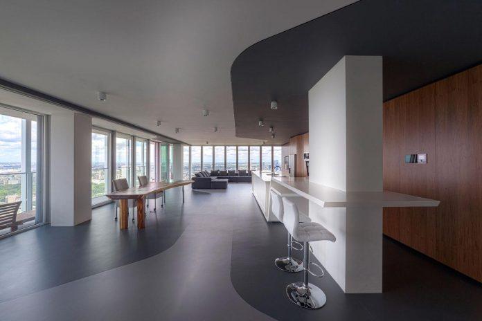panoramic-view-rotterdam-cityscape-43rd-floor-huge-modern-apartment-10