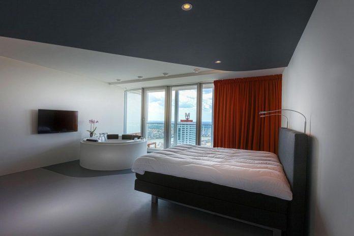 panoramic-view-rotterdam-cityscape-43rd-floor-huge-modern-apartment-13