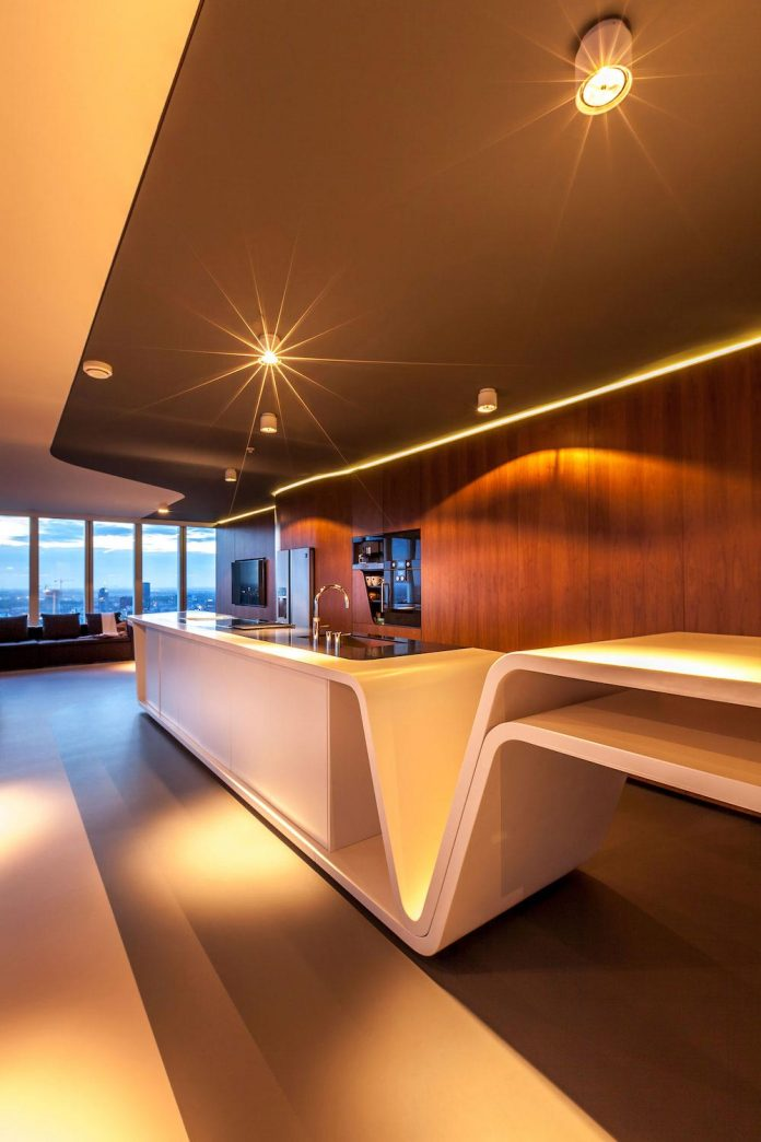 panoramic-view-rotterdam-cityscape-43rd-floor-huge-modern-apartment-17