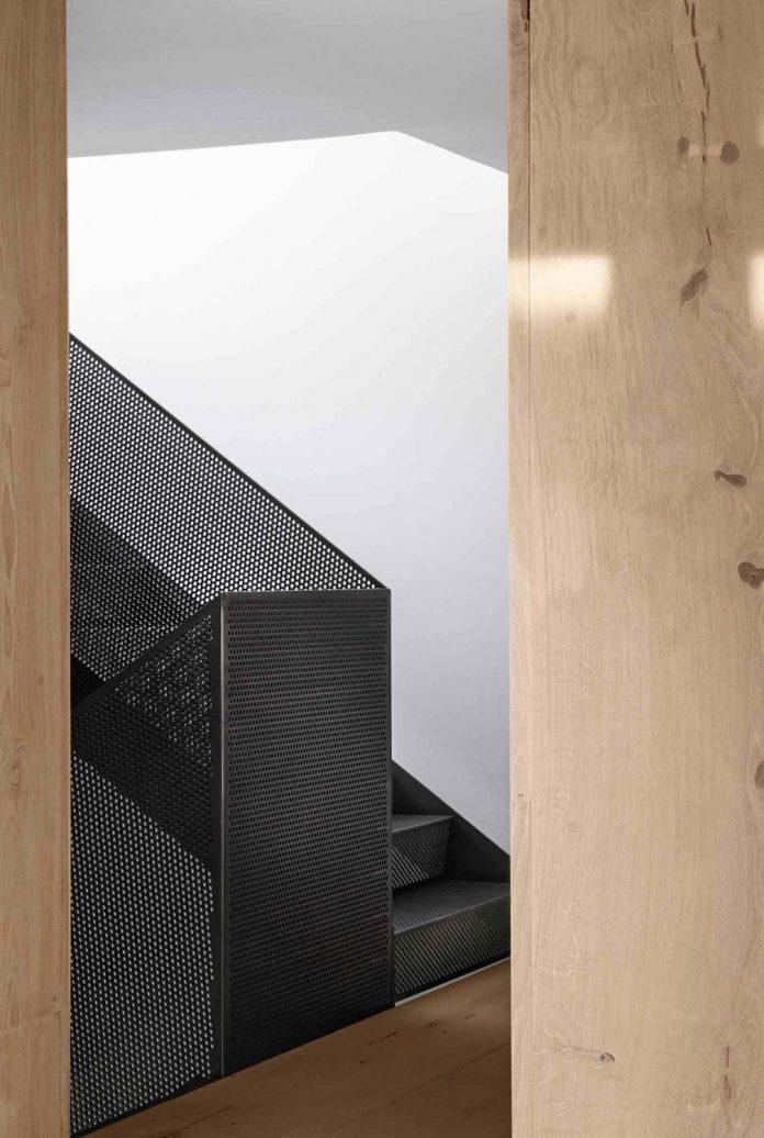 peters-copenhagen-house-inspiration-evolved-worn-warehouses-factories-blackened-steel-old-bricks-18