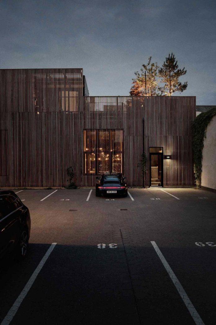 peters-copenhagen-house-inspiration-evolved-worn-warehouses-factories-blackened-steel-old-bricks-26