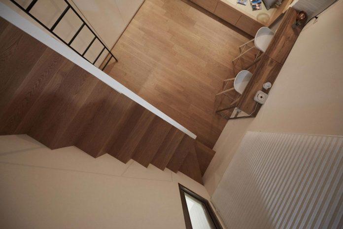 renovation-tiny-old-flat-measures-22-sqm-237-sqft-3-3m-11ft-height-11