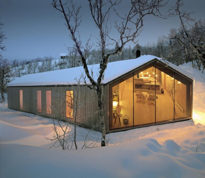 simplicity-restraint-year-lodge-situated-near-cross-country-ski-tracks-winter-hiking-tracks-summer-14