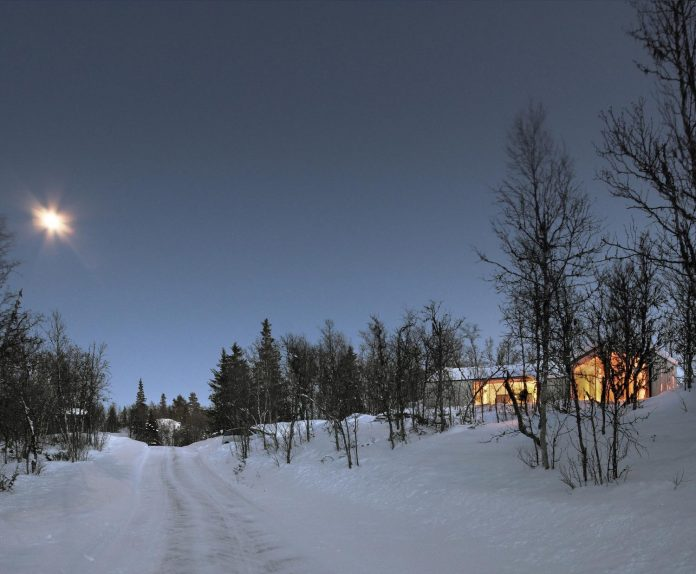 simplicity-restraint-year-lodge-situated-near-cross-country-ski-tracks-winter-hiking-tracks-summer-16