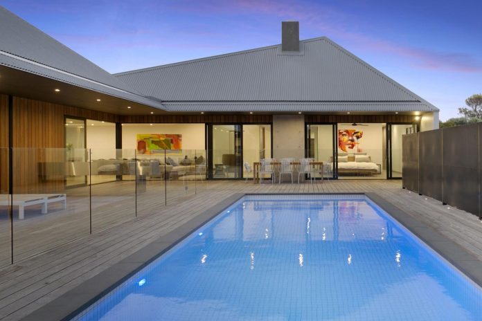 sorrento-house-1-latest-coastal-project-vibe-design-group-australian-beach-house-reborn-02