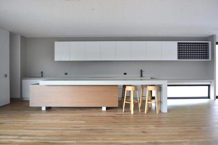 sorrento-house-1-latest-coastal-project-vibe-design-group-australian-beach-house-reborn-04