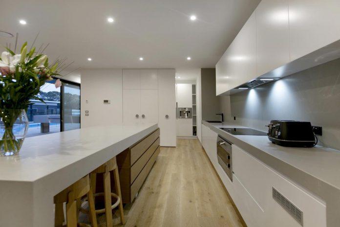 sorrento-house-1-latest-coastal-project-vibe-design-group-australian-beach-house-reborn-10