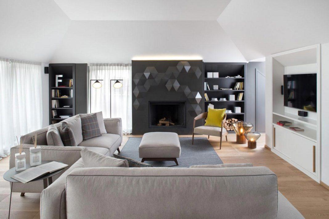 Stylish contemporary attic renovation in Milan by Andrea Castrignano