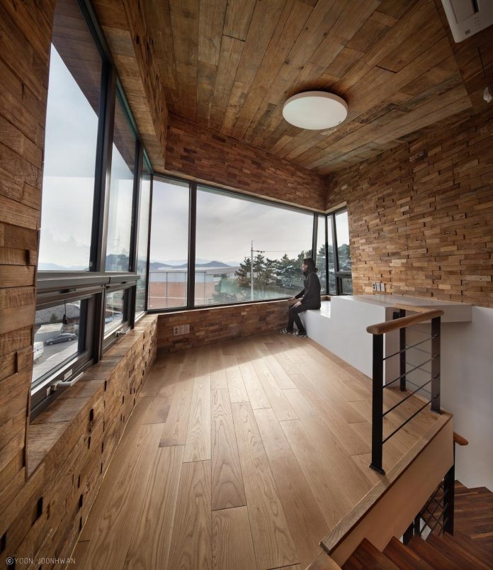 tower-house-architecture-concept-observation-tower-form-family-room-11