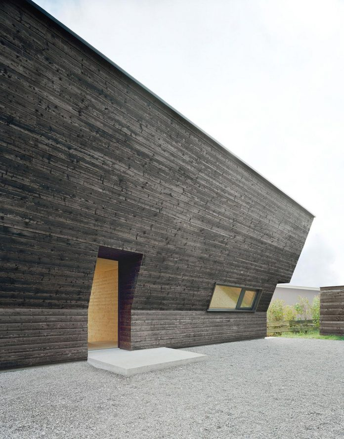 traditional-allgau-architecture-unique-contemporary-building-results-holiday-home-family-seven-07