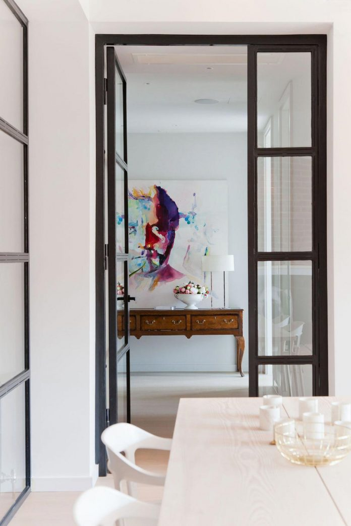 white-colours-simplistic-fittings-imbue-space-contemporary-feel-old-penthouse-shoreditch-03