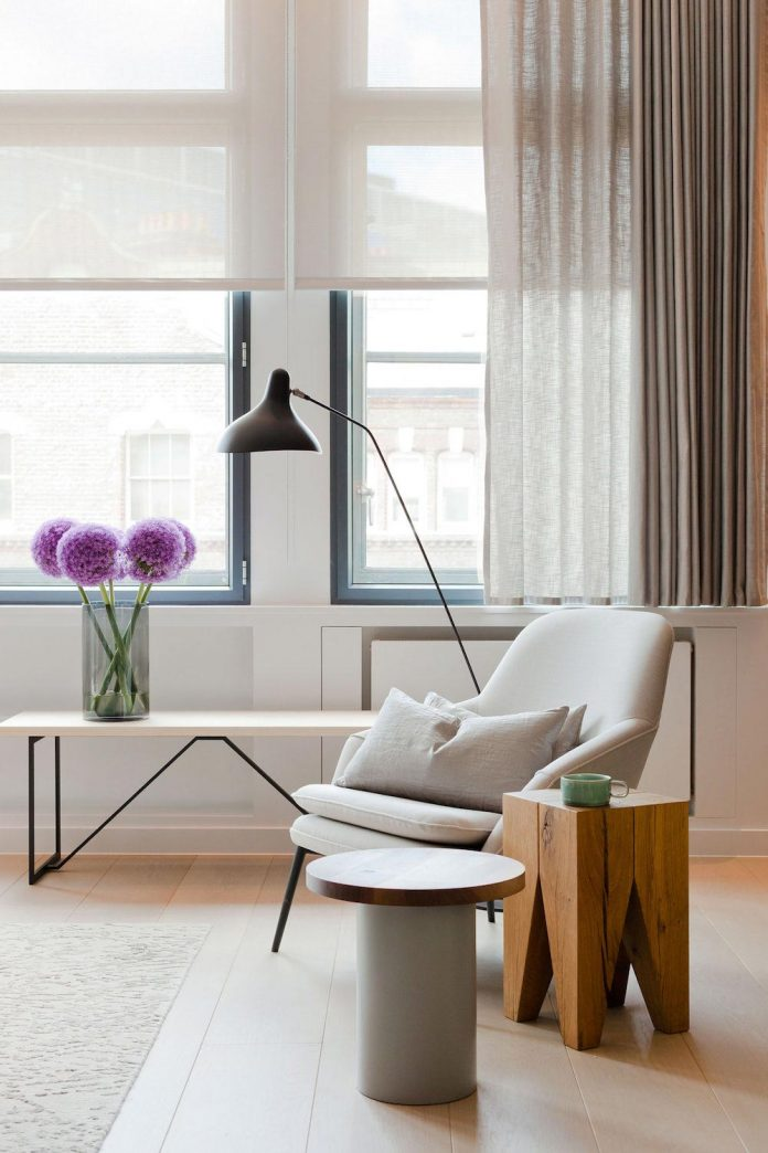 white-colours-simplistic-fittings-imbue-space-contemporary-feel-old-penthouse-shoreditch-07