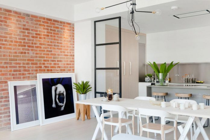 white-colours-simplistic-fittings-imbue-space-contemporary-feel-old-penthouse-shoreditch-08