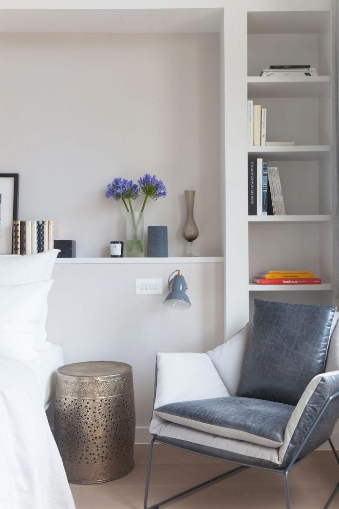 white-colours-simplistic-fittings-imbue-space-contemporary-feel-old-penthouse-shoreditch-15