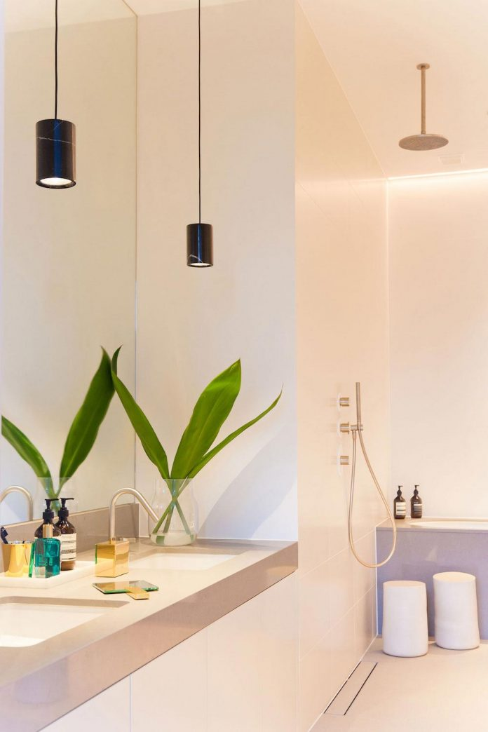 white-colours-simplistic-fittings-imbue-space-contemporary-feel-old-penthouse-shoreditch-19