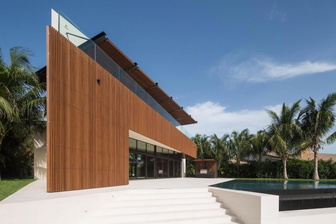 5500-square-foot-contemporary-sea-ranch-lakes-residence-designed-silberstein-architecture