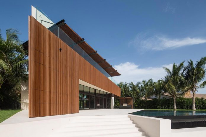 5500-square-foot-contemporary-sea-ranch-lakes-residence-designed-silberstein-architecture-02