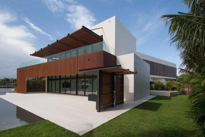 5500-square-foot-contemporary-sea-ranch-lakes-residence-designed-silberstein-architecture-03