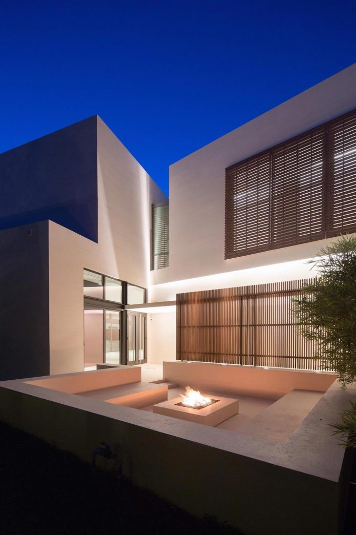5500-square-foot-contemporary-sea-ranch-lakes-residence-designed-silberstein-architecture-15