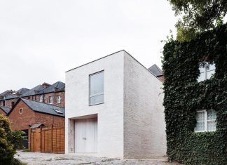 68 square metre compact 2 bedroom mews house and enclosed courtyard of 11 square metres in Highgate