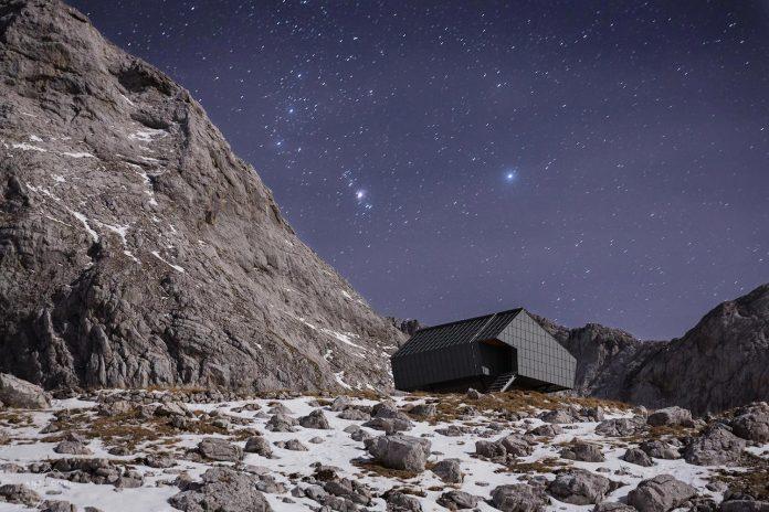 alpine-shelter-bivak-na-prehodavcih-located-triglav-national-park-07