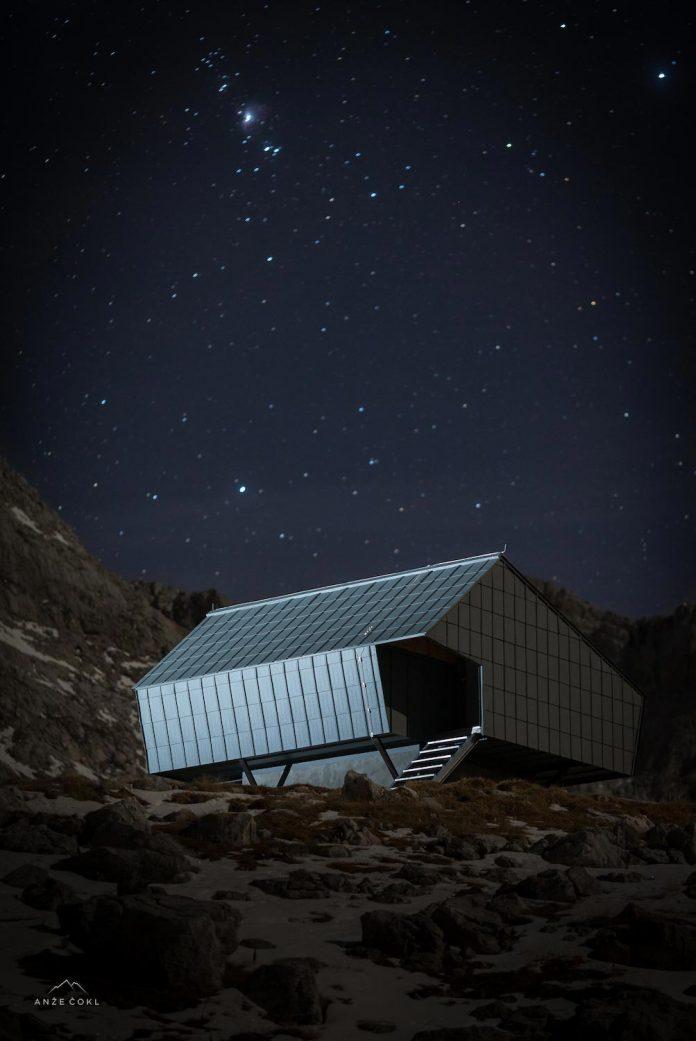 alpine-shelter-bivak-na-prehodavcih-located-triglav-national-park-08