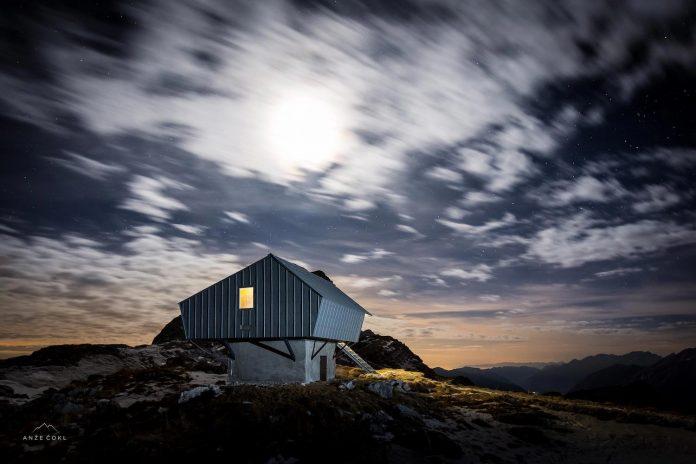 alpine-shelter-bivak-na-prehodavcih-located-triglav-national-park-09