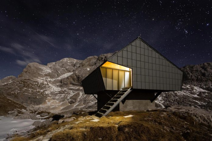 alpine-shelter-bivak-na-prehodavcih-located-triglav-national-park-10