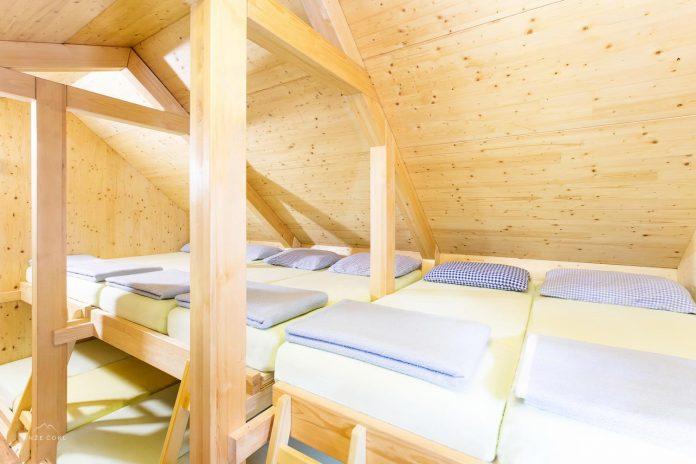 alpine-shelter-bivak-na-prehodavcih-located-triglav-national-park-12