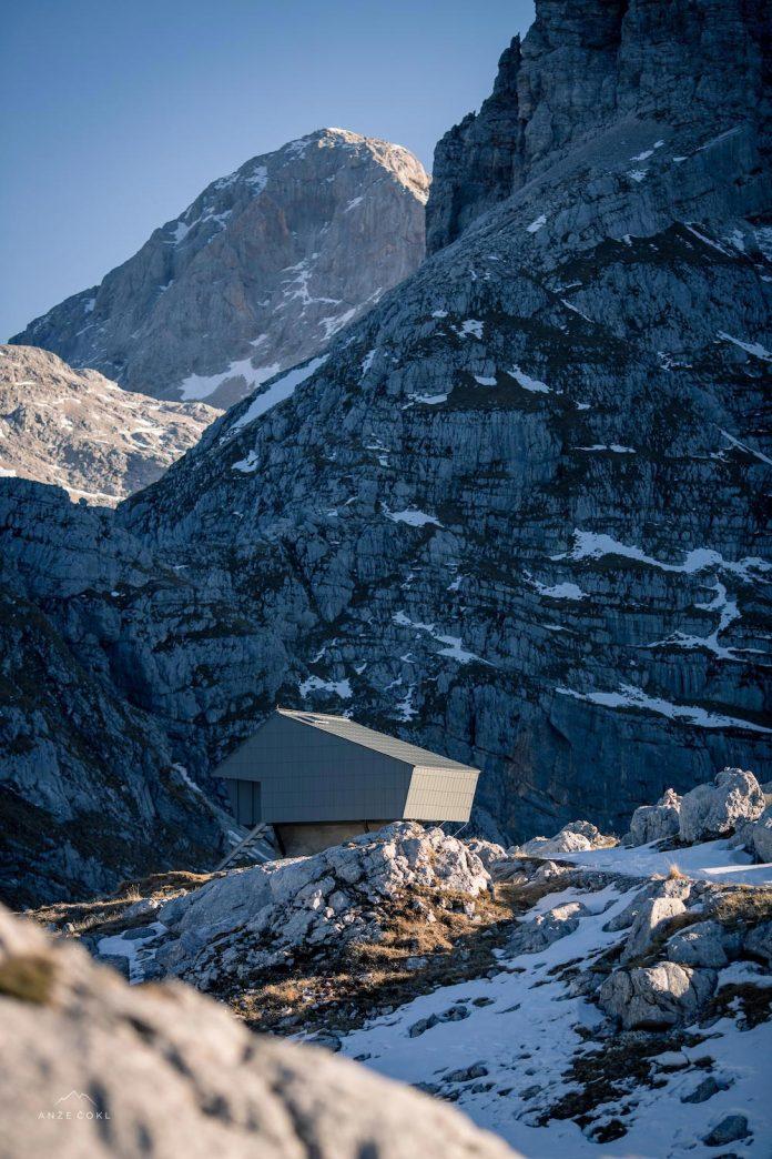 alpine-shelter-bivak-na-prehodavcih-located-triglav-national-park-13