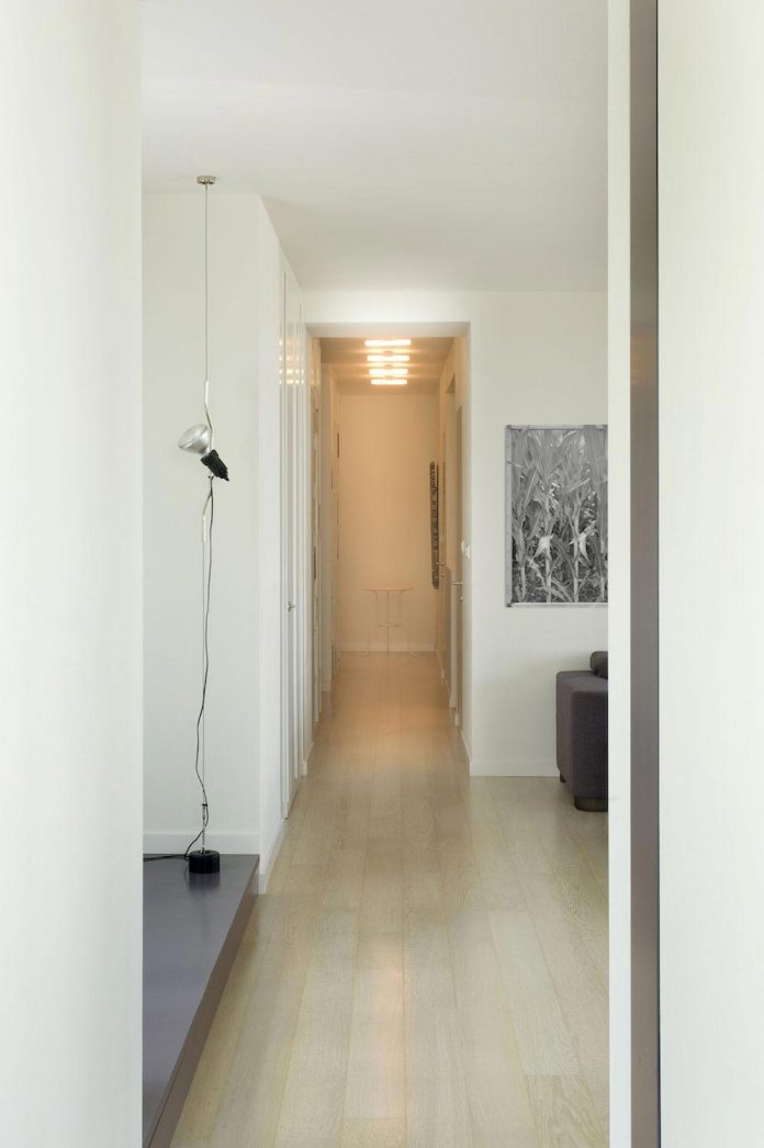 apartment-situated-near-bratislava-designed-continuous-space-02