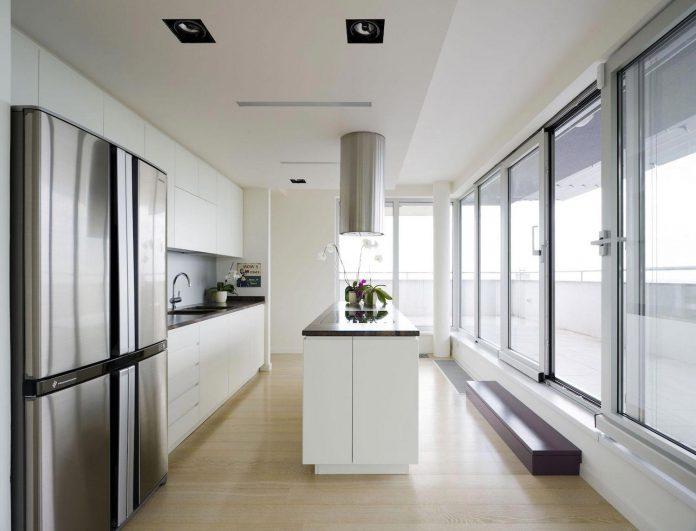 apartment-situated-near-bratislava-designed-continuous-space-03
