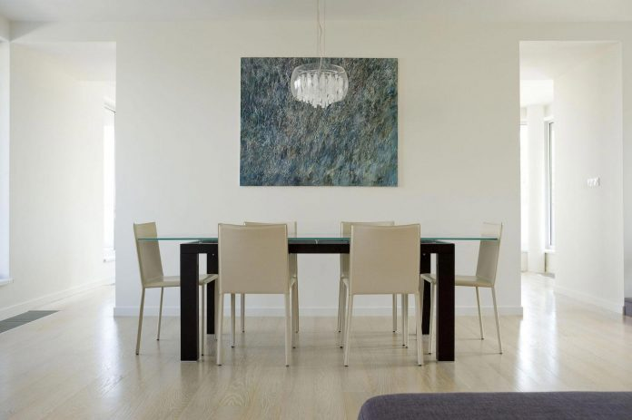 apartment-situated-near-bratislava-designed-continuous-space-06