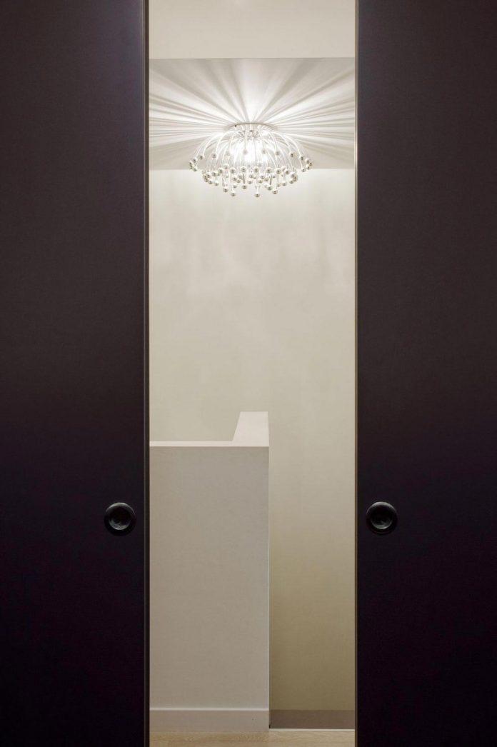 apartment-situated-near-bratislava-designed-continuous-space-10