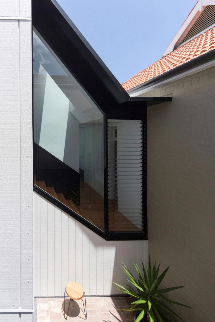 articulated-two-storey-volume-sensitively-stitched-rear-fabric-federation-masonry-05