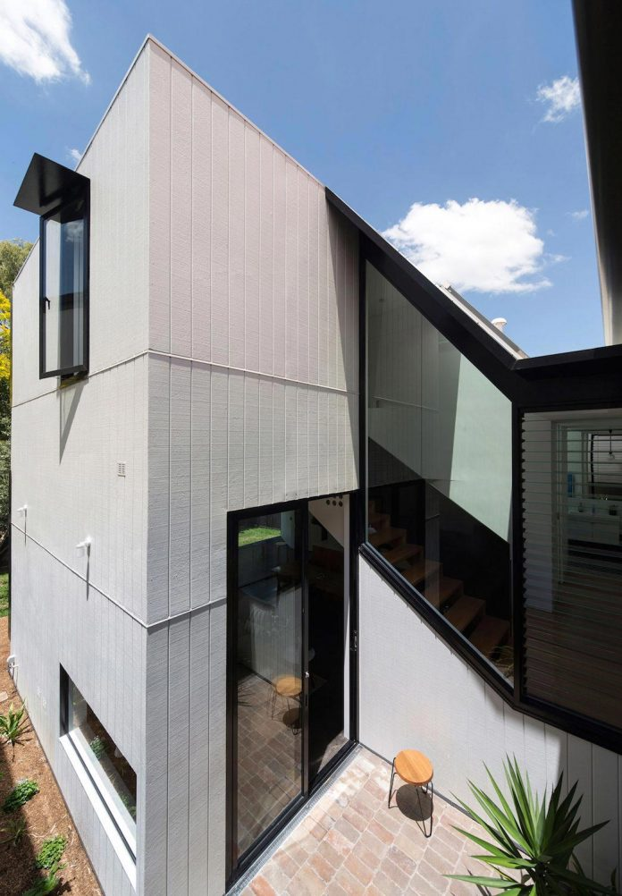 articulated-two-storey-volume-sensitively-stitched-rear-fabric-federation-masonry-06