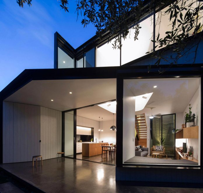 articulated-two-storey-volume-sensitively-stitched-rear-fabric-federation-masonry-22