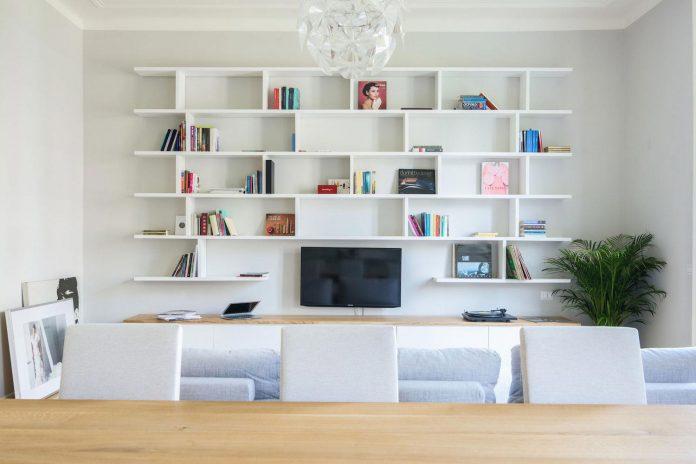 beautiful-apartment-30s-mix-classic-elements-bit-contemporary-ones-02